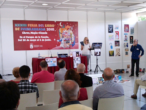 "Presentation of ""La pared y otros cuentos de lo extraño y lo sobrenatural"" at the Fuenlabrada Book Fair, 27th May 2018."